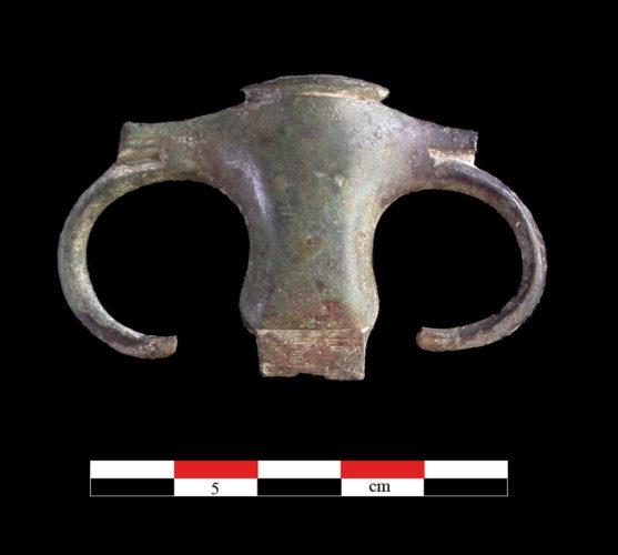 Fragment de monture d'épée d'infanterie française du XVIIIe siècle de Macaille (Guadeloupe) (©Hadès, I. Gabriel)